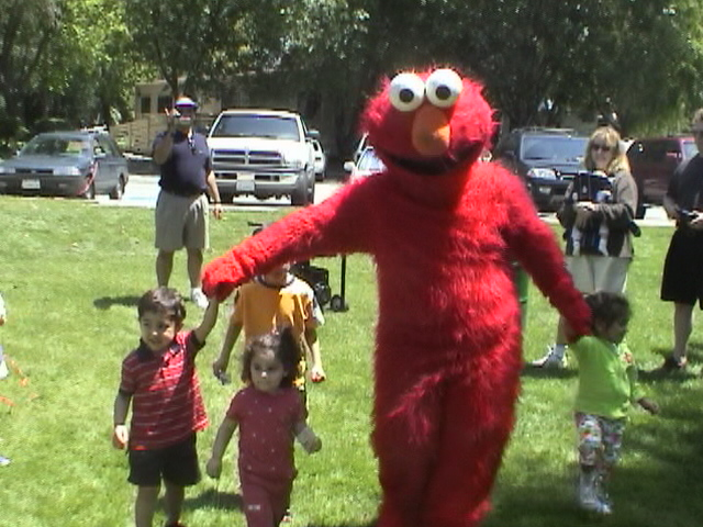 Elmo Costume Character Rentals For Kid S Birthday Parties Fun Factory Parties