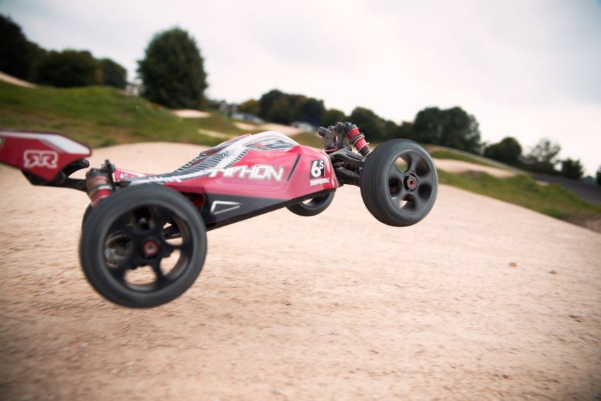 ARRMA Typhon 6S 1/8 Scale Speed Buggy Review |Runs 67 MPH under $450