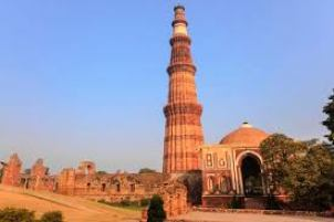 information about qutub minar in hindi