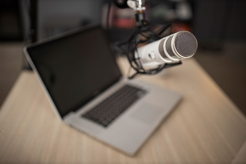 Do I Need an Audio Interface for Podcasting? (Explained for beginners) 7