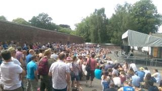splendour-crowd
