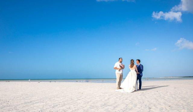 Vanessa Mike Villas Flamingos Holbox Wedding 15 1024x593 - 5 étapes faciles pour planifier une fuite à Tulum