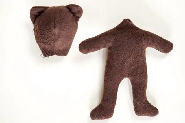 Teddybär nähen - Bär mit Füllwatte füllen