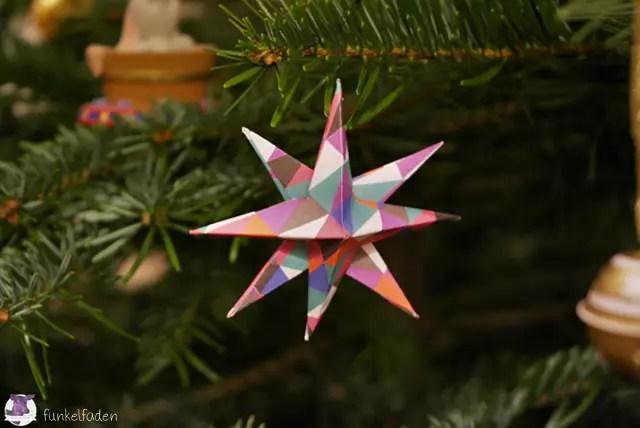 Einfache Weihnachtssterne aus Papier basteln - Anleitung