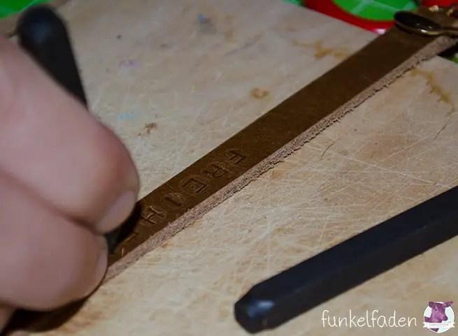 Punziereisen benutzen für Leder
