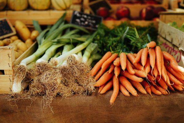 Gemüsesuppe mit Pastinaken