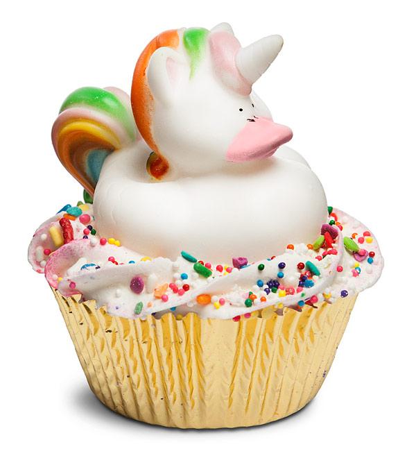 iuou_magical_unicorn_cupcake_bath_bomb-unicorn-gifts