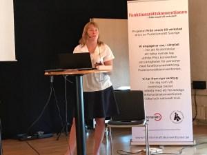 Annika Jyrwall Åkerberg, MR-jurist hos Civil Rights Defenders, föreläste om mänskliga rättigheter vid sommarskolan.