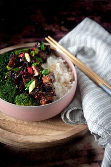 Pittige zwarte peper tofu