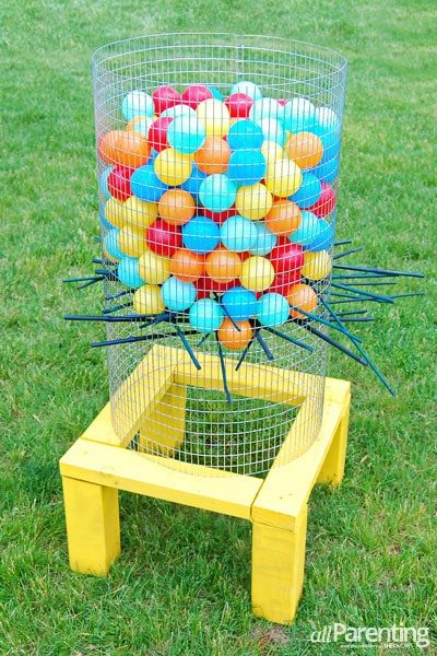 DIY Giant Kerplunk Backyard Party Game, plus other really great ideas for fun DIY backyard party games to try.