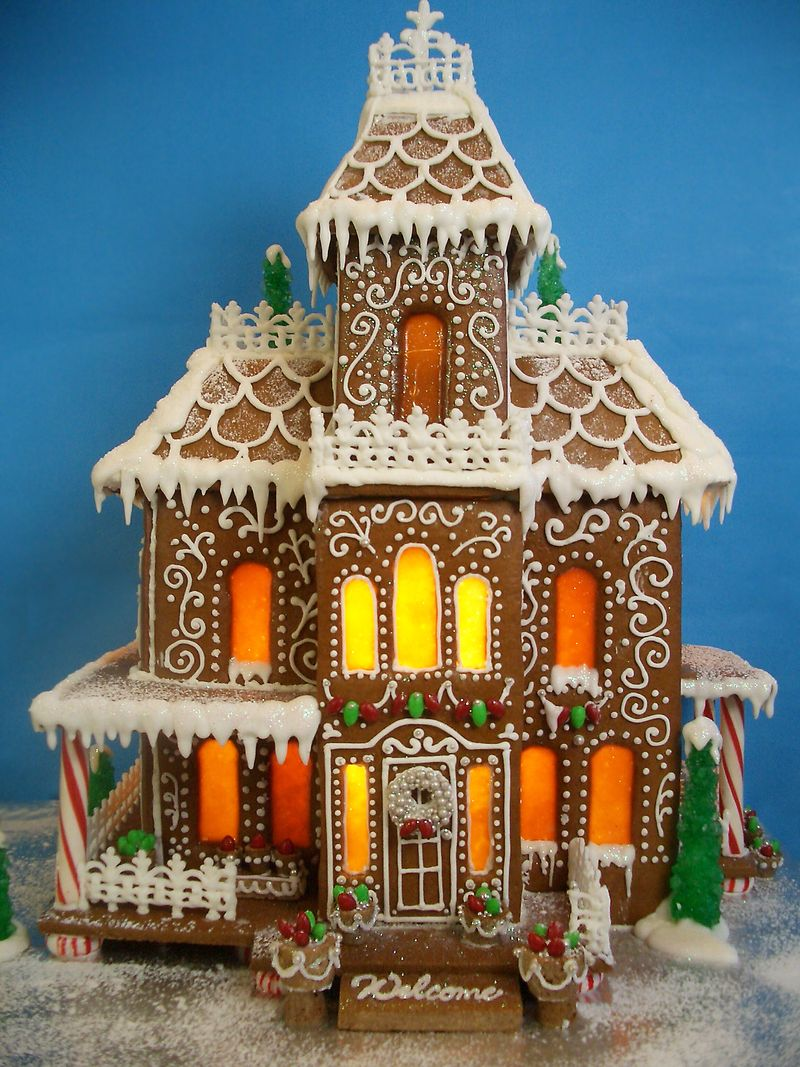 Gingerbread-houses-2