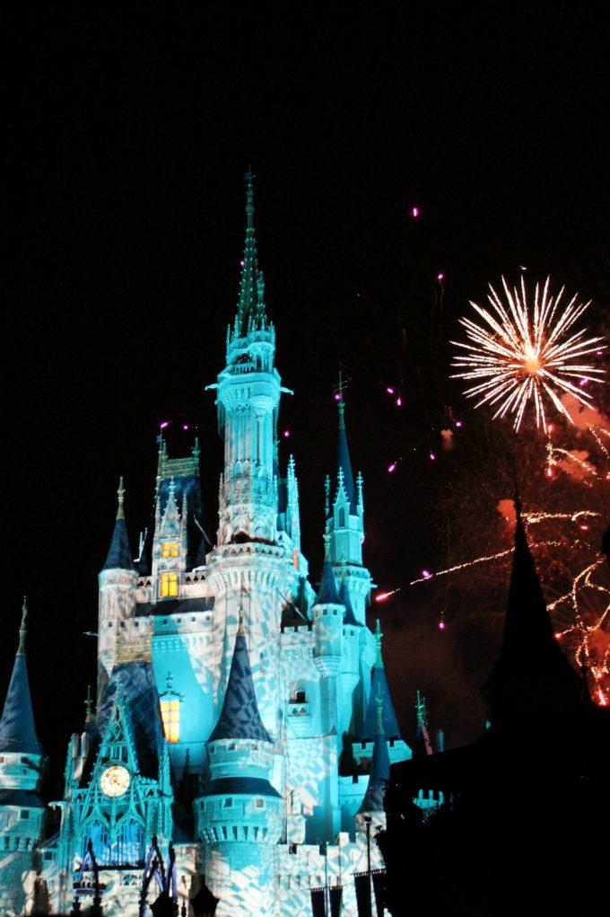 Disney's-not-so-scary-halloween-fireworks-2
