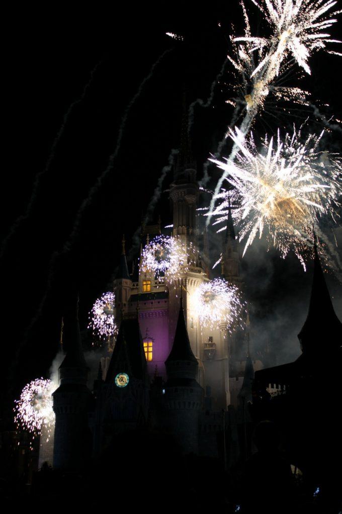 Disney's-not-so-scary-halloween-fireworks-3