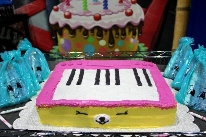 shopkins-cake-finished