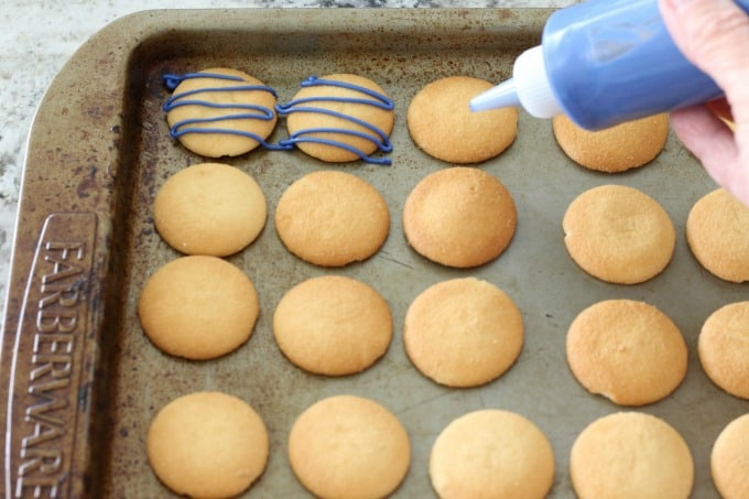 This NILLA Wafer recipe has the cookies drizzled in candy melts