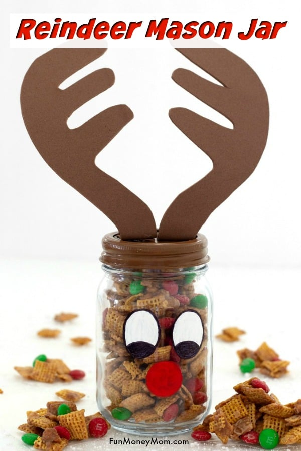 Reindeer Mason Jar - This cute DIY gift is a Christmas gift that's as much fun to make as it is to give. If you like mason jar crafts, you'll love giving this one! #masonjar #masonjarcraft #diycraft #diygift #gifts