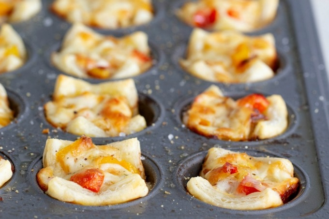 Sausage, pepper and onion puff pastry bites