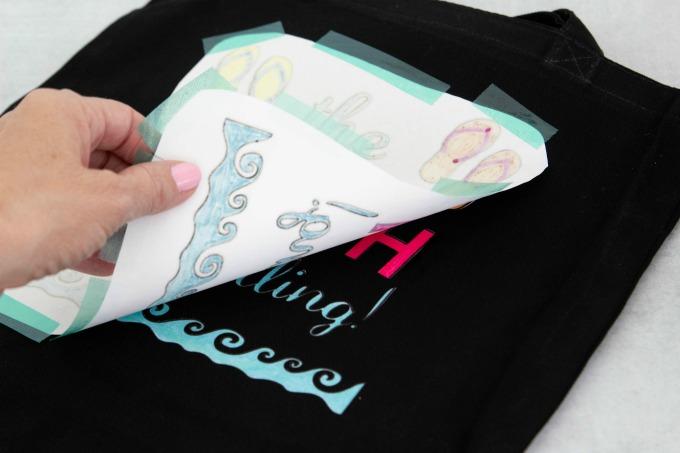 Revealing tote bag design