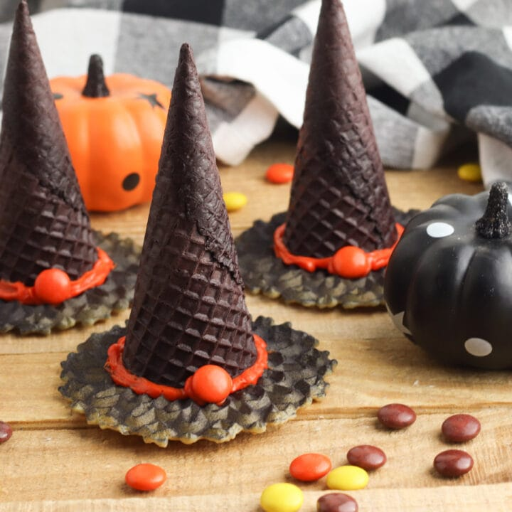 Witches hats with black and white napkin