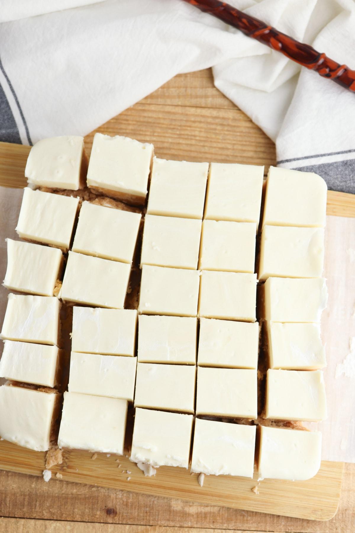 Butterbeer fudge cut into pieces