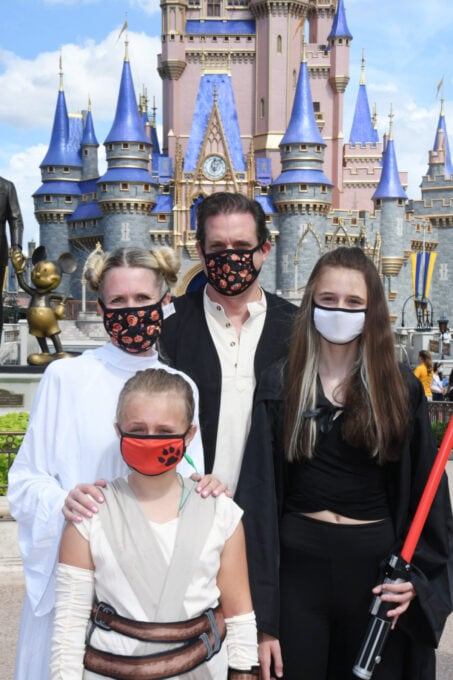 Family in Star Wars Costumes