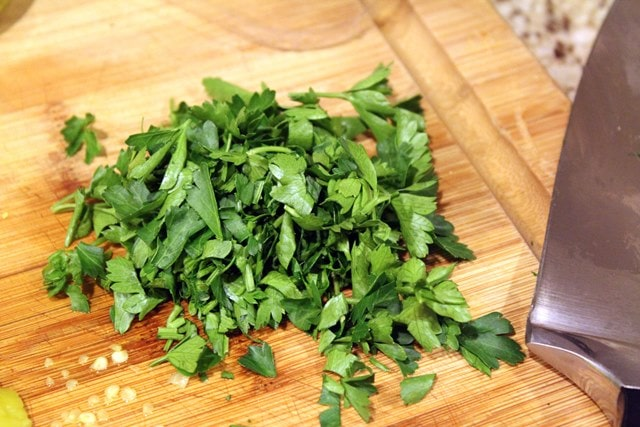 Coarsely chop parsley