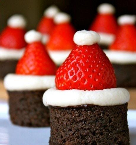 P-2011+-+Christmas+Santa+going+down+the+chimney
