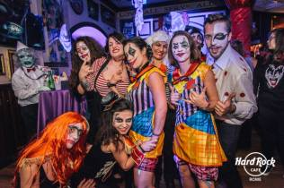staff hard rock cafe rome, pagliacci, clown, halloween, roma