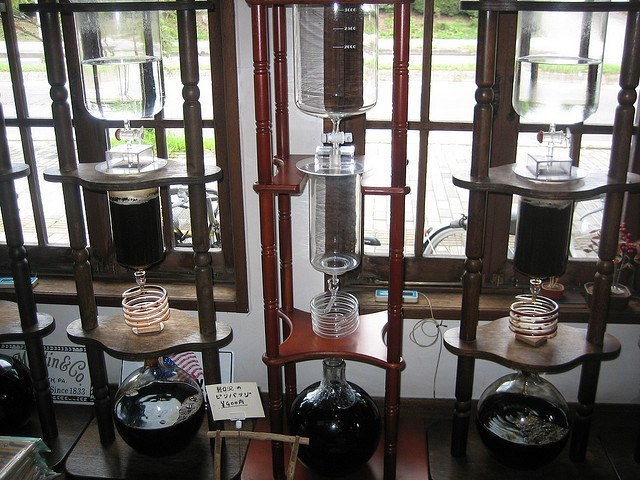 Viennese Triple Extraction Apparatus in Japan, courtesy of Ozchin.