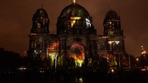 k-Berliner Dom beleuchtet beim Festival Of Lights (14)