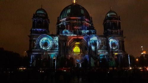k-Berliner Dom beleuchtet beim Festival Of Lights (17)