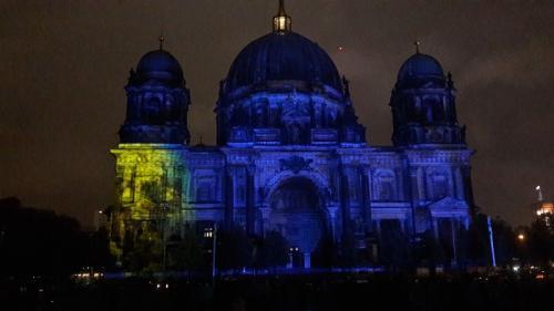k-Berliner Dom beleuchtet beim Festival Of Lights (22)