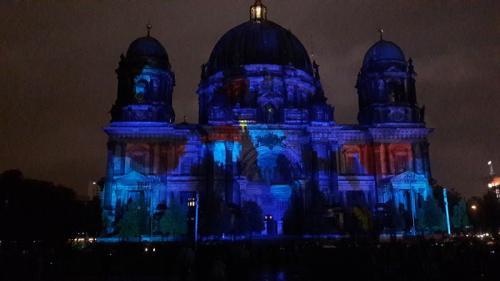 k-Berliner Dom beleuchtet beim Festival Of Lights (23)