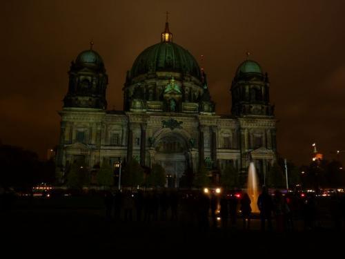 k-Berliner Dom beleuchtet beim Festival Of Lights (33)