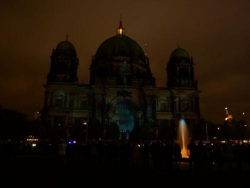 k-Berliner Dom beleuchtet beim Festival Of Lights (36)