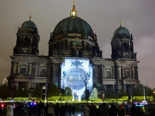 k-Berliner Dom beleuchtet beim Festival Of Lights (45)