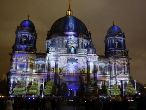 k-Berliner Dom beleuchtet beim Festival Of Lights (52)