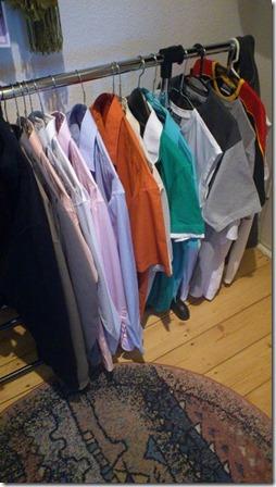Kleiderstange offen Hemden