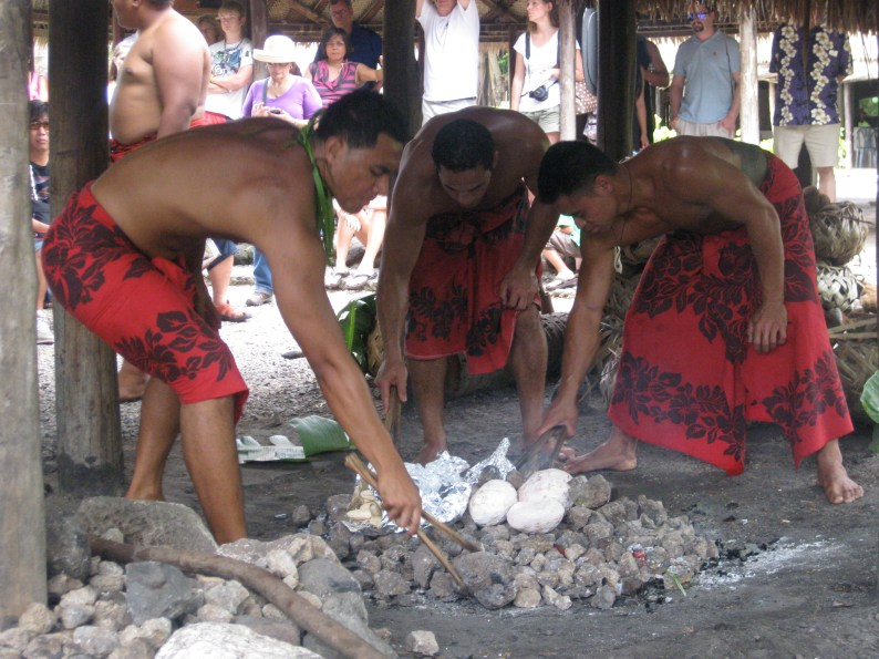 TAHITI VILLAGE COOKING DEMONSTRATION