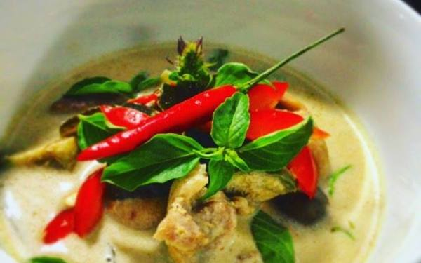 Thai Chicken Curry With Green Curry Paste