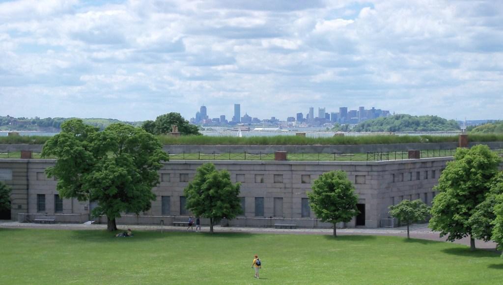 Fort_Warren