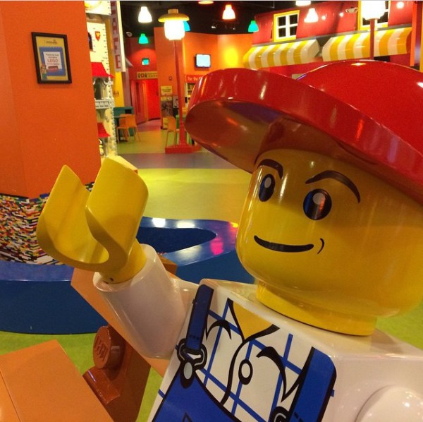 legoland boston lifesize minifigure