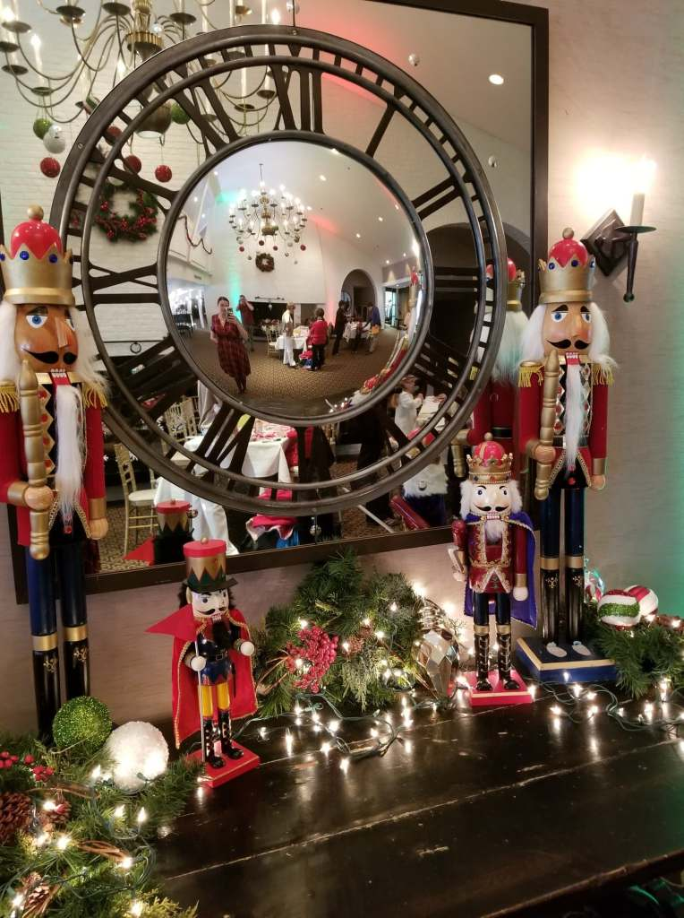 The International Golf Club and Resort - Brunch with Santa - Holiday Decor