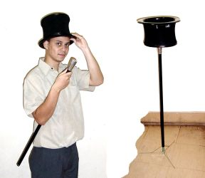 Cane hat Table