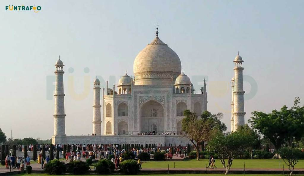 Taj Mahal Agra - The wonder of the world