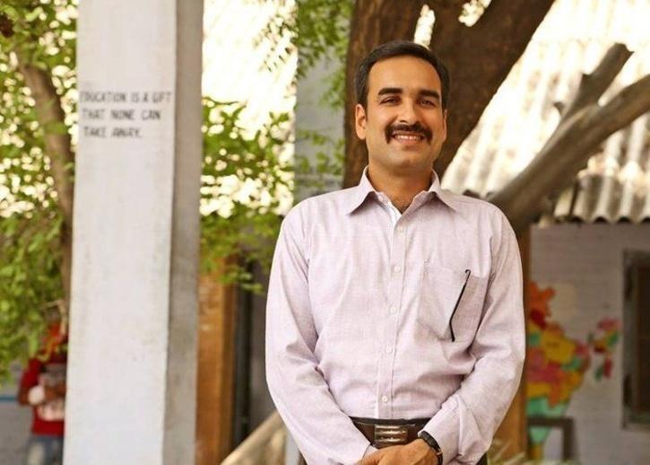 Pankaj Tripathi as Principal Shrivastava in Nil Battey Sannata