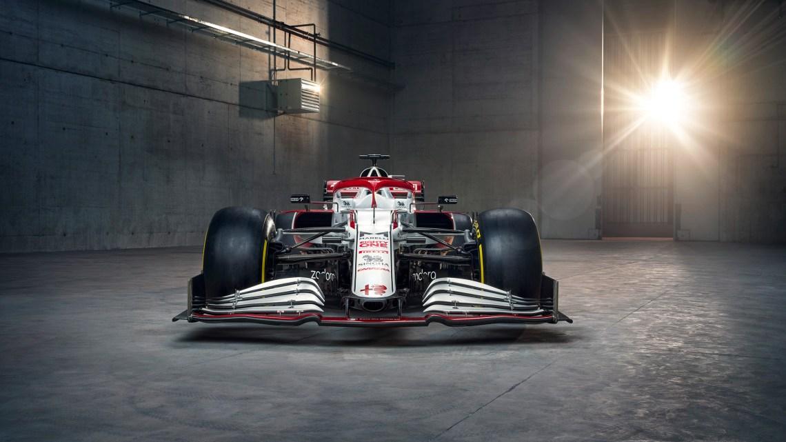 L'Alfa Romeo presenta la nuova C41 col muso stretto.