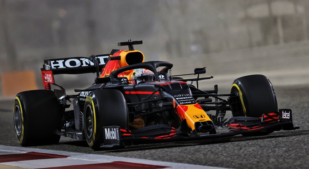 """Verstappen non si sbilancia: """"La Mercedes è la favorita per il Titolo""""."""