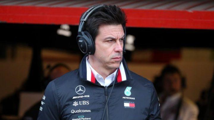 """Toto Wolff stuzzica la Red Bull: """"Questo è il loro Mondiale""""."""