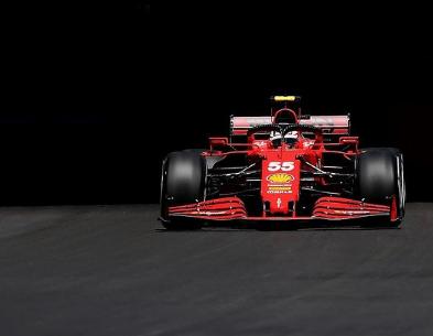 Carlos Sainz durante le FP2